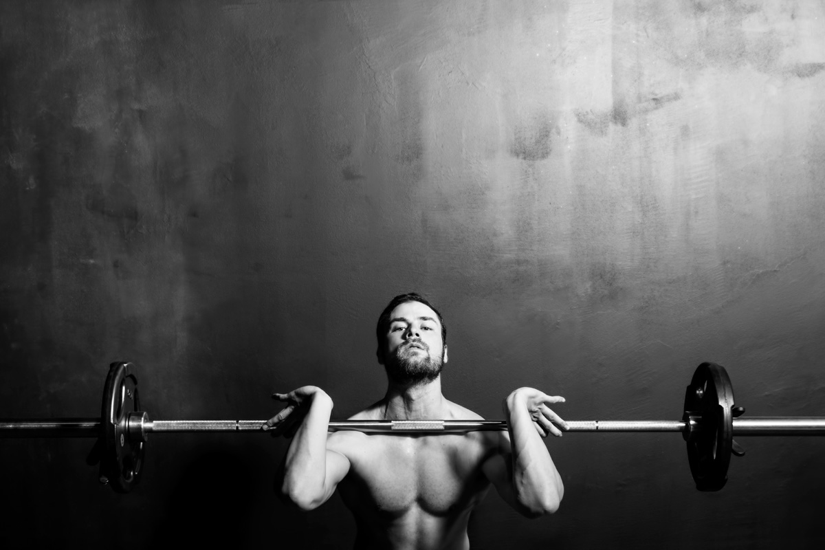 iStock_weight-lifting-man-3x2